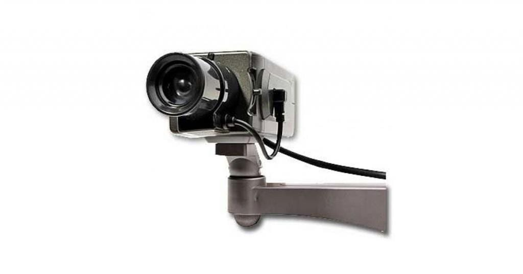 The risks and methods of using dummy or fake cameras